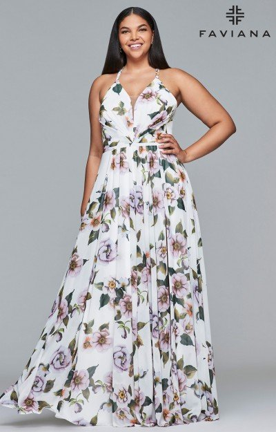 Plus Size Prom Dresses | All Colors