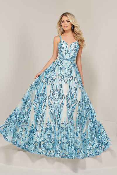 423cffdaa Ball Gown Dresses and Poofy Formal Gowns